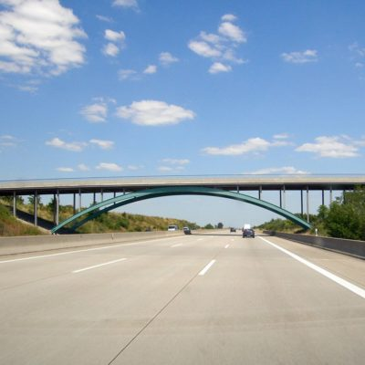 A 9 Stahlbogenbrücke bei Dessau