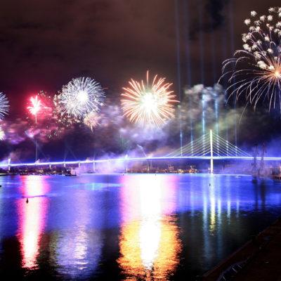 B 96 Feuerwerk zur Verkehrsfreigabe der Rügenbrücke, Foto: René Legrand