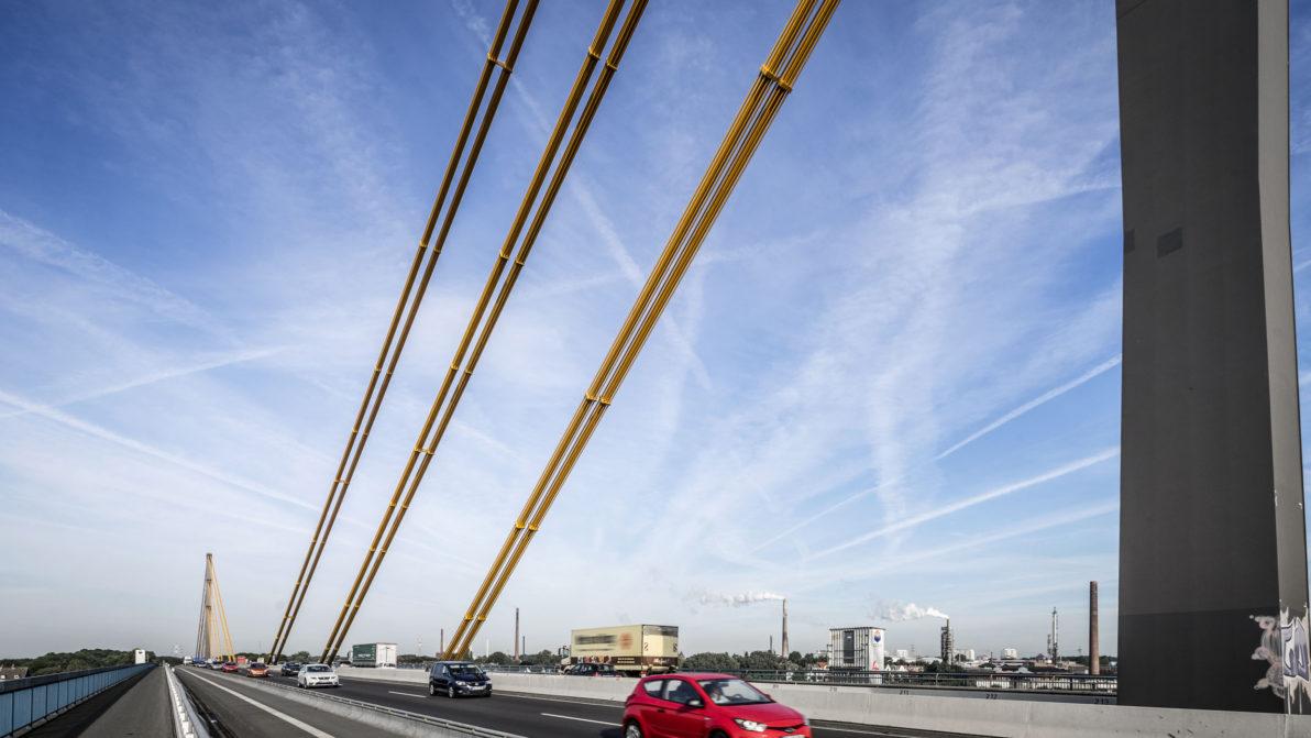 Die alte Rheinbrücke Duisburg-Neuenkamp