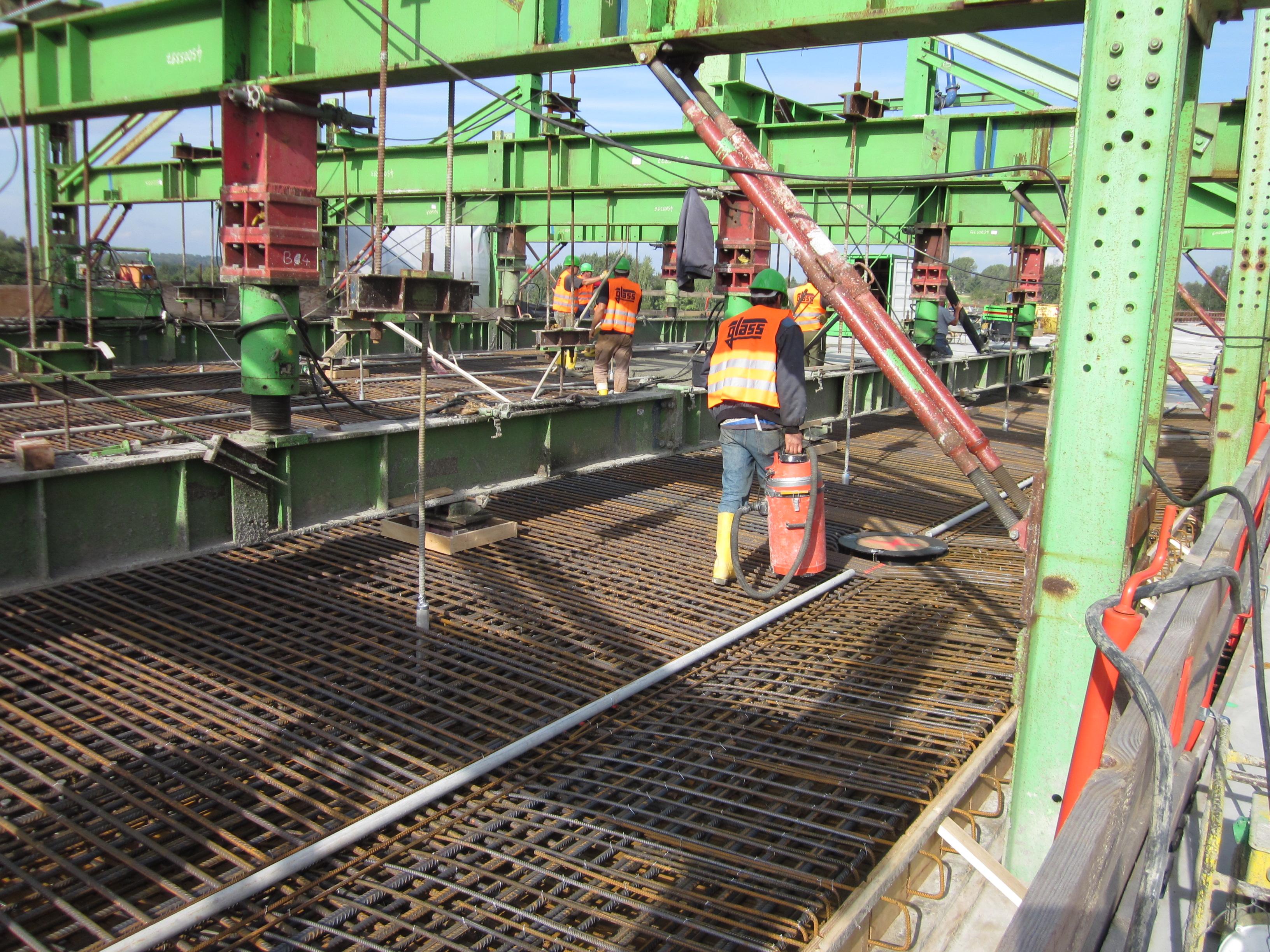 Bauarbeiten auf der Talbrücke Zedlitzer Grund