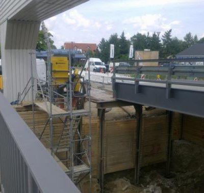 Bau der Behelfsbrücken