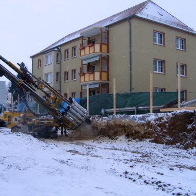 Einsatz des Ankerbohrgerätes zur Vernagelung der Baugrube (Böschungssicherung)