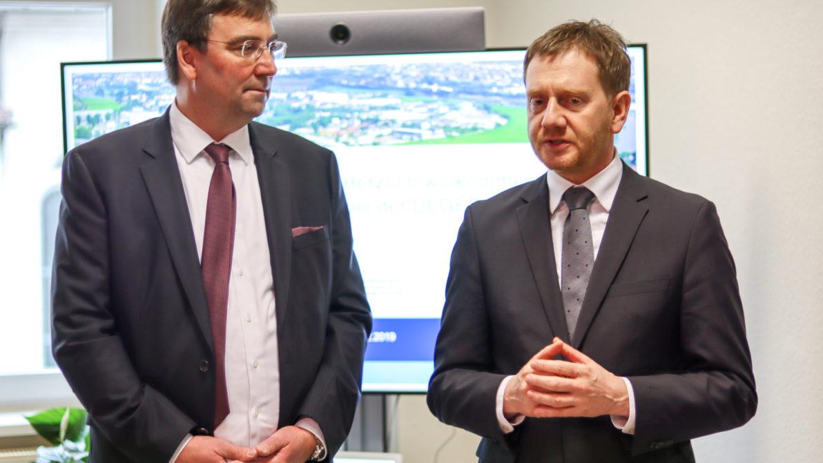 Ditter und Kretschmer bei der Eröffnung der Zweigstelle Bautzen