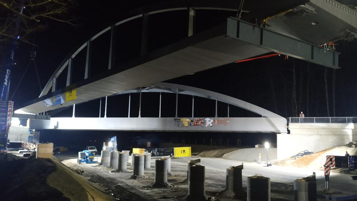 B 31: Geh- und Radwegbrücke
