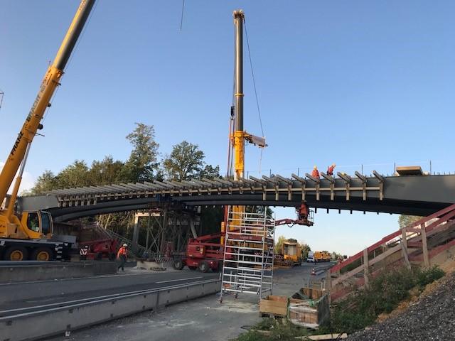 Einbub der Stahlträger für die neue Überführung Kurze Straße im September 2020