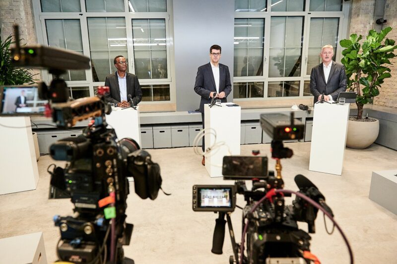 Berlin F03: James Kanyi, Andreas Irngartinger und Klaus Lintemeier eröffnen die erste digitale Informationsveranstaltung am 29.10.2020
