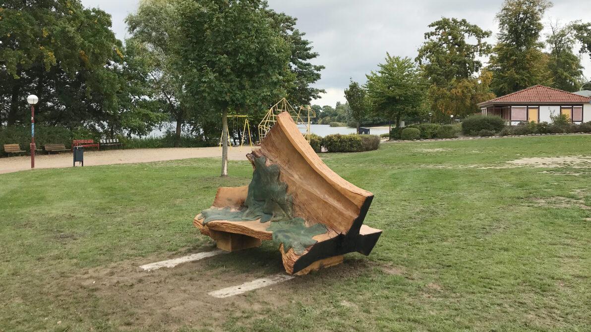 Die neue Sitzbank am Augustabad