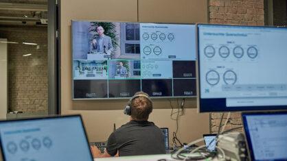 Blick ins Studio der digitalen Informationsveranstaltung zum Ersatzneubau der Rudolf-Wissell-Brücke und zum Umbau des Autobahndreiecks Charlottenburg