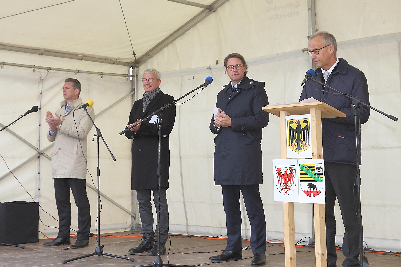 Impressionen vom Spatenstich zum Bau der Autobahn A 14 zwischen der Anschlussstelle Seehausen-Nord und Wittenberge