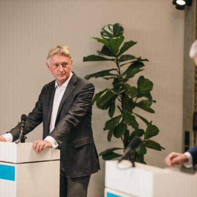 Moderator Klaus Lintemeier (links im Bild) und Projektleiter Peter Grüschow