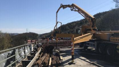 Die letzten beiden Überbautakte auf der Talbrücke Volmarstein wurden gemeinsam betoniert. | Bildnachweis: DEGES